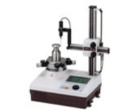 Small roundness measuring machine